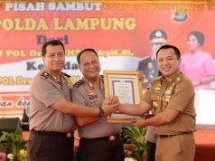 Gubernur Ridho Ficardo bersama Irjen Suntana dan Brihjen Purwadi Arianto pada acara pisah sambut Kapolda Lampung,, Selasa (21/8/2018)