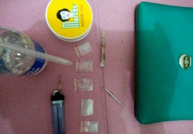 Barang bukti yang disita dari empat pelaku penyalahguna narkoba yang diamankan Satresnarkoba Polres Lampung Timur