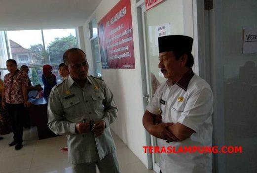 Herman HN Kecewa Pelayanan KTP Disdukcapil Pemkot Bandarlampung