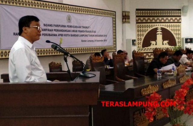 Juru bicara fraksi Partai Gerindra DPRD Kota Bandarlampung saat menyampaiakan pandangan fraksinya.