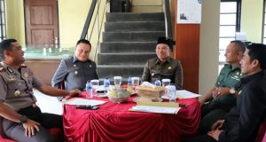 Bupati Lampung Barat dan Wakil Bupati Lambar Menghadiri Rapat koordinasi (Rakor) Forkompinda di Kebun Raya Lampung Barat, Senin (19/11/2018)