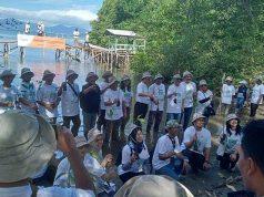 Penanaman mangrove program konservasi PT JAPFA Comfeed Indonesia Tbk di Desa Gebang, Kecamatan Telukpandan, Pesawaran.