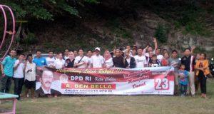 A. Ben Bella bertemu warga Lamsel di Pantai Wartawan.