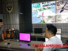 Herman HN menanyakan kepada petugas ATCS caranya mengurai kemacetan.