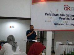 Kepala OJK Provinsi Lampung Indra Krisna, saat membuka acara pelatihan dan gathering insan media Provinsi Lampung, Senin (10/12/2018)