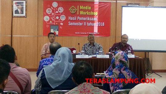 epala BPK Perwakilan Lampung, Sunarto, pada acara Media Workshop Hasil Pemeriksaan Semester II BPK Perwakilan Provinsi Lampung, Jumat (21/12/2018) di lantai II Kantor BPK Perwakilan Provinsi Lampung.