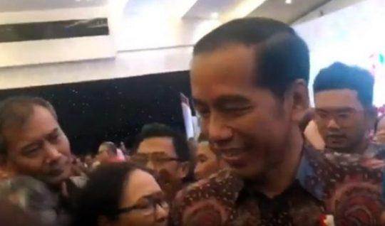 Presiden Joko Widodo pada acara Hai Pers Nasional di Surabaya menjawab pertanyaan para wartawan soal remisi untuk pelaku pembunuhan wartawan Bali, Sabtu, 9 Februari 2019.