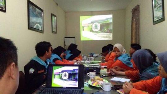 Mitra Bentala Gelar Pendidikan SDA Pesisir di Dua PTN di Lampung