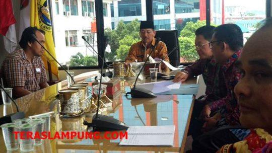 Herman HN Serahkan Bantuan Korban Banjir di Tiga Kecamatan