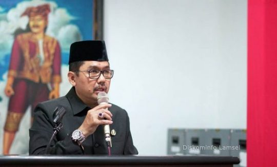 Sekretaris Daerah Kabupaten Lampung Selatan Fredy SM saat menyampaikan LKPJ Kepala Daerah Tahun Anggaran 2018, Senin, 25 Maret 2019.