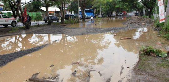 Ini Tanggapan Walikota Herman HN Soal Jl. Ryacudu yang Mirip Kubangan Kerbau