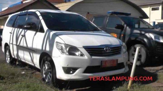 Dilaporkan ke Polisi, Mantan Wakil Bupati Lampung Utara Kembalikan Satu Mobil Dinas
