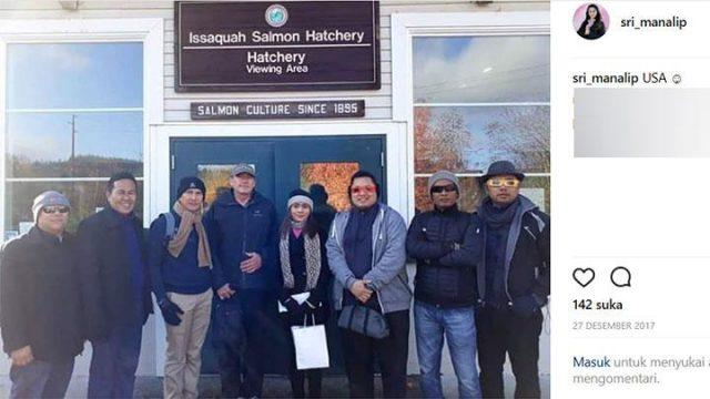 Bupati Talaud Sri Wahyumi berfoto bersama rekan-rekannya di Amerika Serikat. Selama menjalani sanksi, jabatan Bupati Kepulauan Talaud, untuk sementara diemban oleh Wakil bupati Petrus Tuange. Instagram.com