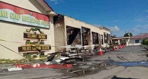 Sebagian besar bangunan Markas Polres Lampung Selatan ludes terbakar, Kamis siang, 2 Mei 2019.