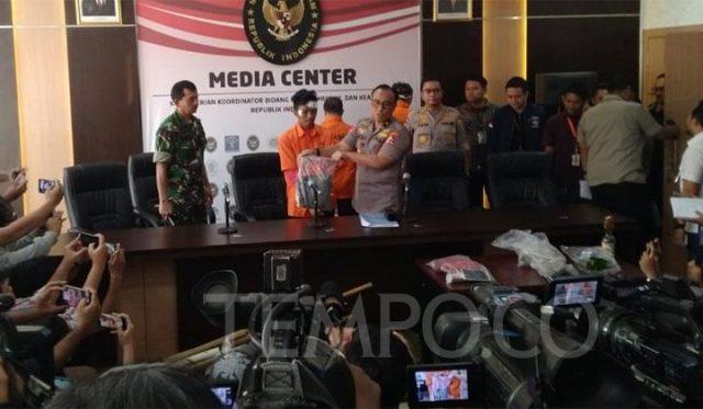 Tersangka kerusuhan 22 Mei yang ditangkap di Masjid Al Huda, Tanah Abang, Jakarta Pusat di Kementerian Koordinator Politik Hukum dan Keamanan, Jakarta, Sabtu, 25 Mei 2019. TEMPO/M Rosseno Aji