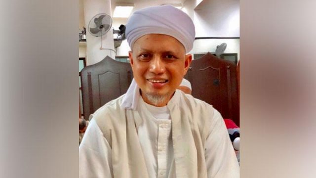 Arifin Ilham kemungkinan besar pulang ke Indonesia pada hari Kamis, 31 Januari 2019, setelah mendapatkan perawatan di sebuah rumah sakit di Penang, Malaysia. Instagram/@kh_m_arifin_ilham