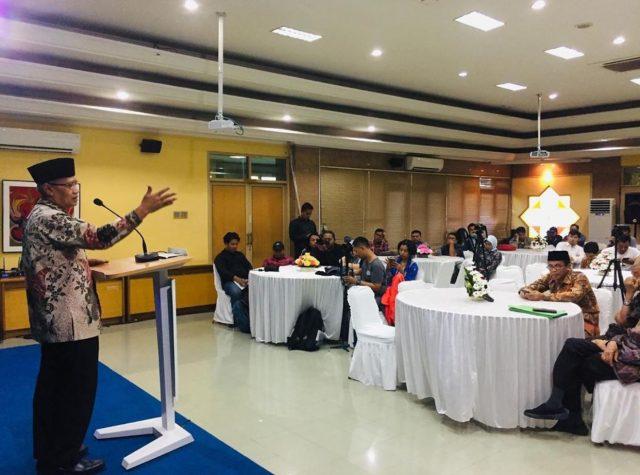 Ketua Umum Pimpinan Pusat Muhammadiyah dalam Silaturahim Pimpinan Pusat Muhammadiyah dengan Awak Media, pada Kamis (30/5) di Aula Kantor PP Muhammadiyah Yogyakarta (Foto: muhammadiyah.or.id)
