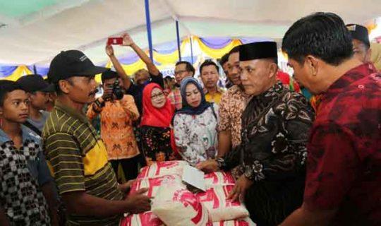 Plt Bupati Lampung Selatan Buka Pasar Murah di Kecamatan Bakauheni