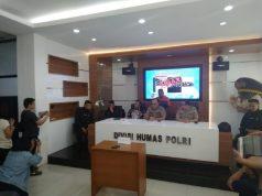 Kepala Biro Penerangan Masyarkat Divisi Humas Polri, Brigadir Jenderal Dedi Prasetyo dalam konferensi pers kasus penyebaran hoaks anggota Brigade Mobil asal Cina, di Mabes Polri, Jakarta, Jumat, 24 Mei 2019. TEMPO/M Rosseno Aji