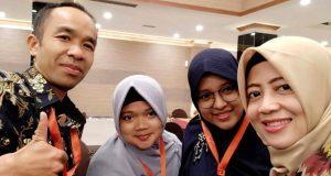 Hendrizal M.E., Sry Eka Handayani, dan Wulan Mulya Pratiwi