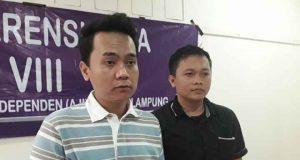 Ketua dan Sekretaris AJI Bandarlampung 2019-2022, Hendry Sihalolo dan Dian Wahyu Kusuma