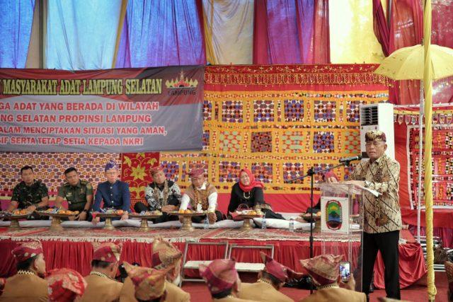 Menteri Pertahanan Nasional Ryamizard Ryacudu pada acara halal bihalal dengan para tokoh adat di Lampung Selatan, Minggu (30/6/2019).