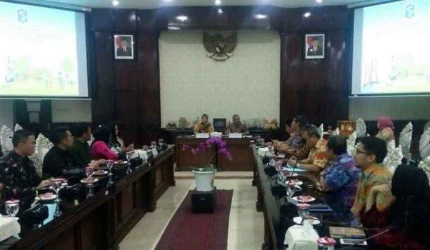Wagub Chusnunia Pelajari Tata Kelola Sampah dari Pemkot Surabaya