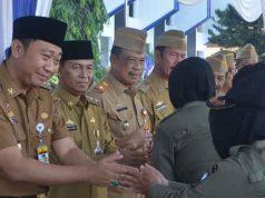 Bupati Agung Ilmu Mangkunegara bermaaf-maafan dengan para ASN di lingkungan Pemkab Lampung Utara
