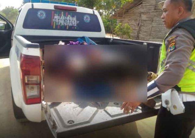 Polisi mengevakuasi tiga korban tewas dalam bentrok di Register 45 Mesuji, 17 Juli 2019 (Sumber foto: Polres Mesuji)