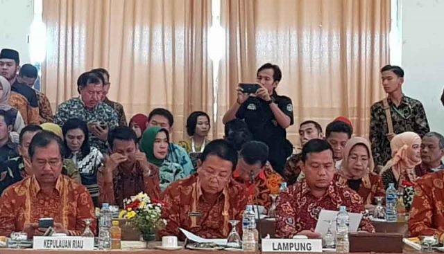 Gubernur Lampung Arinal Djunaidi memaparkan kesiaoan Lampung menjadi ibu kota negara RI di Rakor Gubernur Se-Sumatera di Bengkulu, Selasa, 9 Juli 2019.