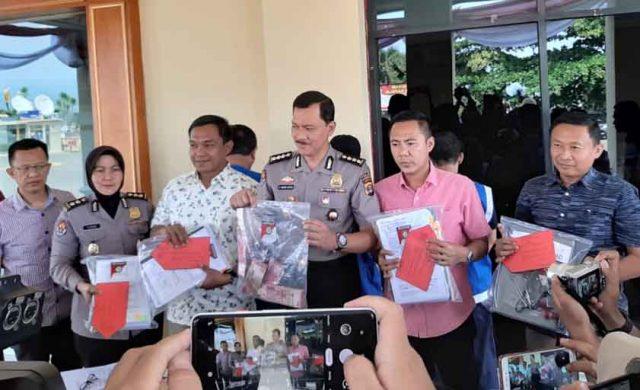 Polda Lampung melakukan ekspos kasus dugaan korupsi di Dinas Pendidikan Lampung Selatan, Selasa, 2 Juli 2019,