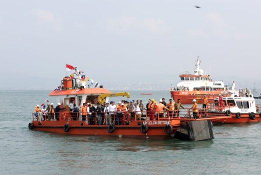 """Canangkan Laut Bersih, Gubernur Arinal Luncurkan Kapal Pembersih Sampah """"Telok Betong"""""""