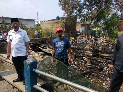Walikota Herman HN Sambangi Korban Kebakaran di Kampung Baru