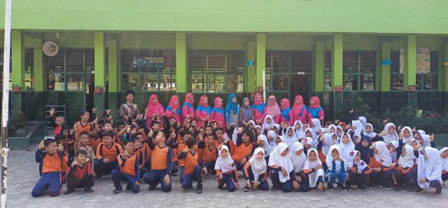Siswa siswi SD Negeri 2 Rajabasa, Bandarlampung usai mengikuti pendidikan lingkungan usia dini.