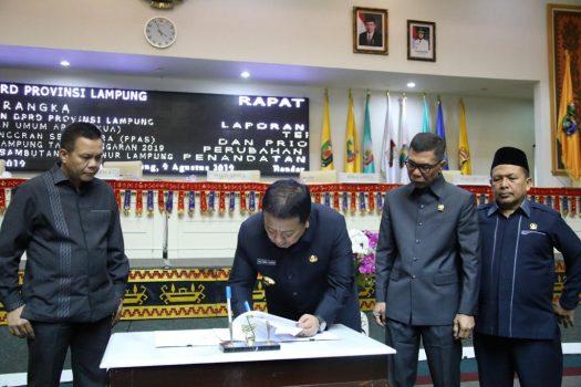 Pemprov-DPRD Lampung Teken KUA-PPAS APBD Perubahan 2019