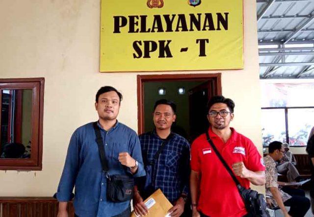LBH Bandarlampung dan FSBMM) melaporkan PT Bumi Menara Internusa (BMI) ke Polres Lampung Selatan, Selasa 13 Agustus 2019.