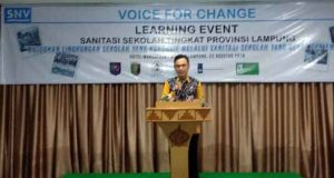 Asisten II Pemprov Lampung Taufik Hidayat ketika membuka cara learning event sanitasi sekolah tingkat Provinsi Lampung, di Hotel Marcopolo, Kamis, 22 Agustus 2019 .
