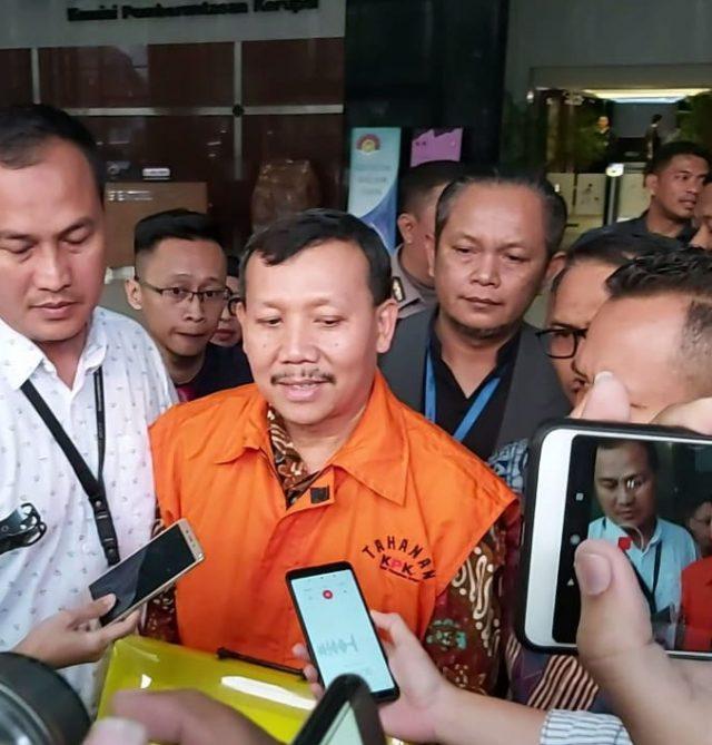Tersangka suap Meikarta Iwa Karniwa resmi ditahan KPK - Bisnis