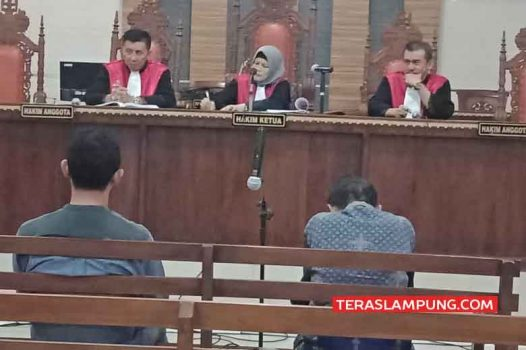 Mantan Bupati Mesuji Khamami Dituntut Delapan Tahun Penjara