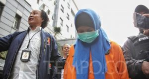 ersangka Aulia Kesuma alias Meimei dihadirkan pada rilis kasus pembunuhan berencana di Polda Metro Jaya, Senin, 2 September 2019. Aulia menjadi tersangka utama pembunuhan terhadap suaminya dan anak tirinya. TEMPO/Hilman Fathurrahman W
