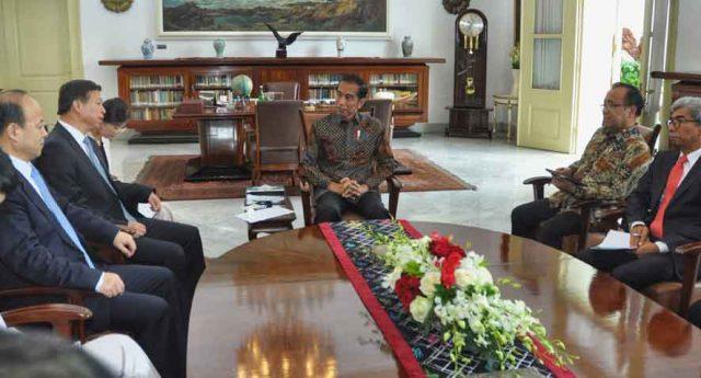 Presiden Jokowi menerima Penasihat Presiden RRT Untuk Urusan Luar Negeri, Song Tao, di Istana Kepresidenan Bogor, Jabar, Jumat (20/9)