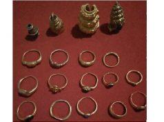 Emas dan manik-manik harta karun Kerajaan Sriwijaya yang dijual ke Levi S. Jeruju pemilik toko emas di Kecamatan Cengal dan, Ogan Komering Ilir (OKI). Dok. Istimewa