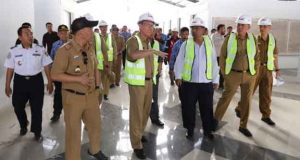 Pj. Sekretaris Daerah Provinsi Lampung Fahrizal Darminto meninjau dua titik pembangunan rest area Jalan Tol Trans Sumatera (JTTS), Selasa (1/10/2019).