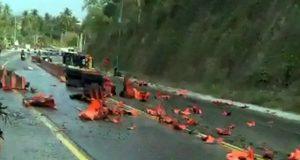 Kecelakaan maut di Tanjakan Tarahan, Lampung Selatan, Minggu pagi (27/10/2019).