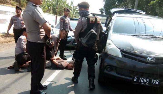 Pelaku penggelapan mobil diringkus polisi saat Polres Way Kanan menggelar Operasi Zebra Krakatau, Rabu, 30 Oktober 2019. Foto: Istimewa/Polres Way Kanan