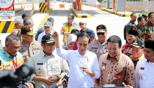 Resmikan Tol Terbanggi Besar – Kayu Agung, Ini Pesan Jokowi kepada Para Kepala Daerah