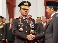 Komjen Idham Azis mendapatkan ucapan selamat dari Presiden Joko Widodo usai dilantik sebagai Kapolri,Jumat (1/11/2019).