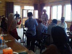 Dandim Bandarlampung Letkol Inf Romas Herlandes silaturahmi dengan para jurnalis.