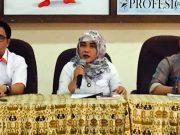 Komisioner KPU Lampung Esti Nur Fatonah membantah terlibat suap Rp100 juta untuk mengisi jabatan anggota KPU Tulangbawang. Foto: Fajarsumatera.co.id