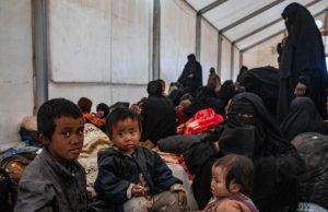 Sekitar 1.000 pejuang ISIS asing termasuk dari Indonesia di antara ribuan pendukung ISIS yang ditahan. (BBC)